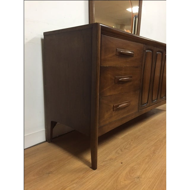 Broyhill Emphasis Mid-Century Dresser & Mirror - Image 6 of 9