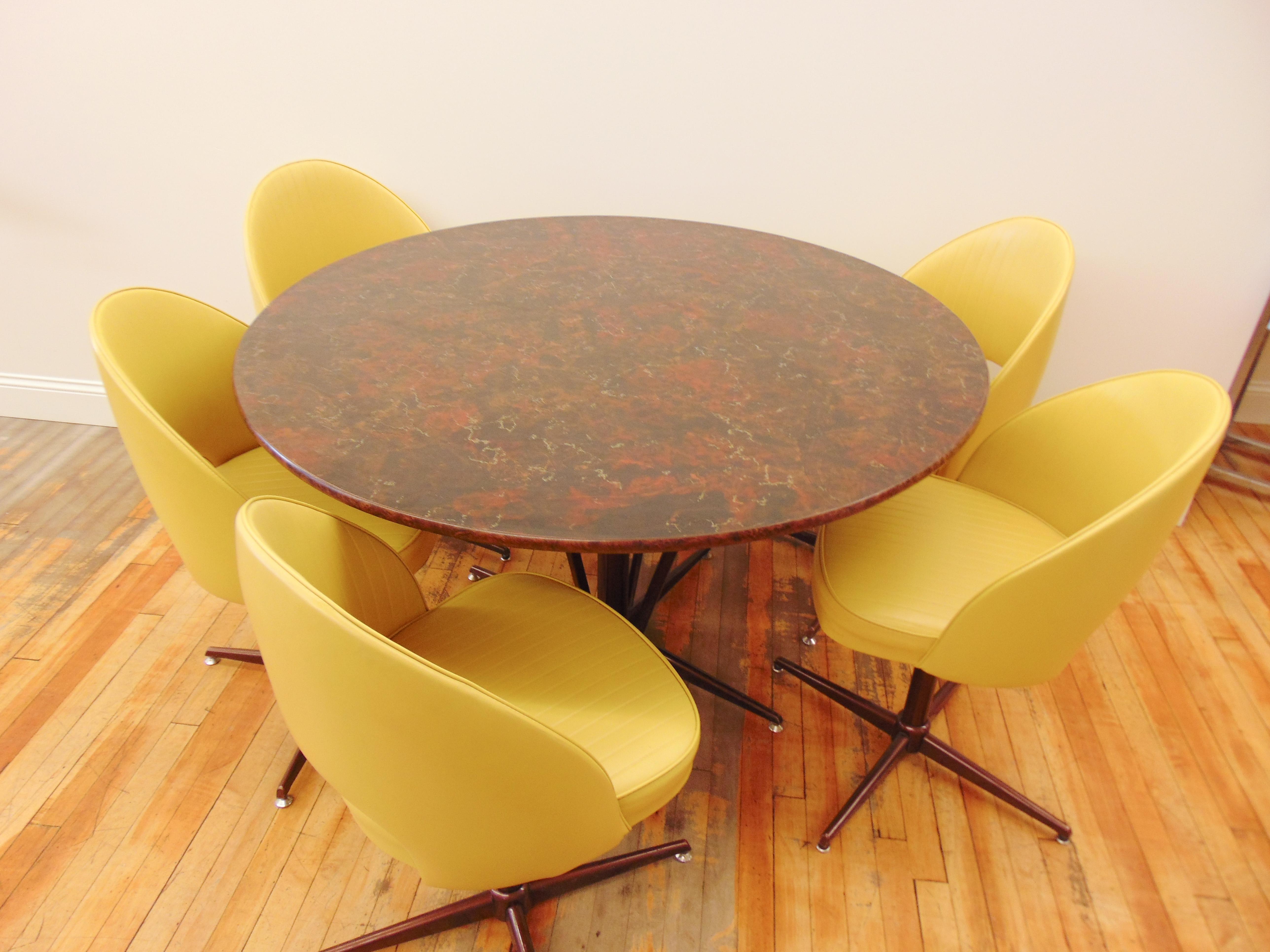 Mid Century Modern Round Table U0026 5 Yellow Chairs  Set Of 6   Image