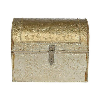 Embossed Tine Covered Box