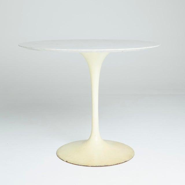 """Marble """"Tulip"""" Dining Table by Eero Saarinen - Image 5 of 5"""