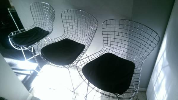 Bertoia Bar Stool With Seat Pad