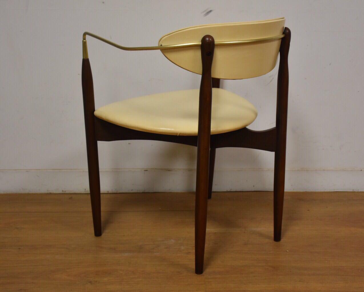 Dan Johnson Beechwood and Off-White Vinyl Viscount Chair - Image 6 of 10