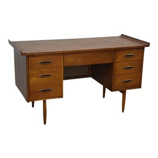 Broyhill Sculptra Walnut Desk
