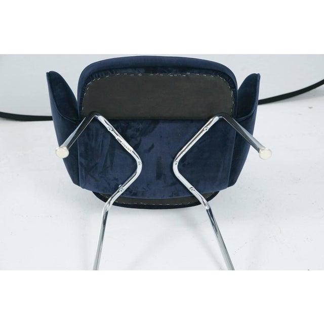 Saarinen Executive Armchair, Navy Velvet - Image 6 of 8