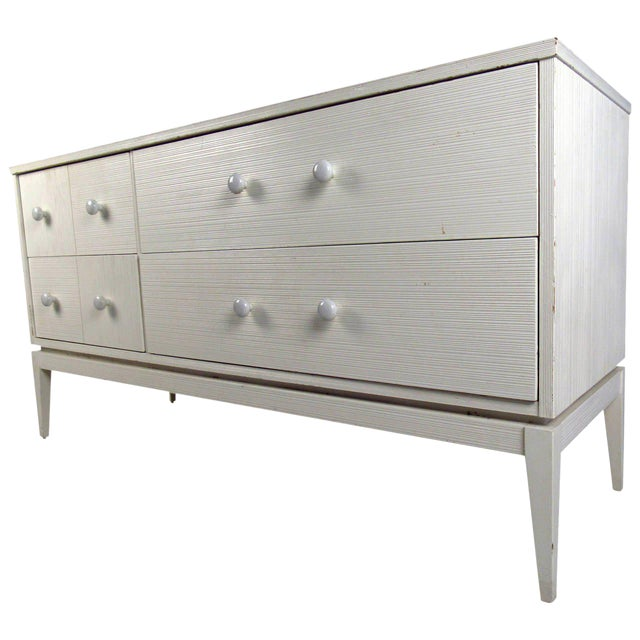 kroehler furniture white 4 drawer low dresser chairish. Black Bedroom Furniture Sets. Home Design Ideas