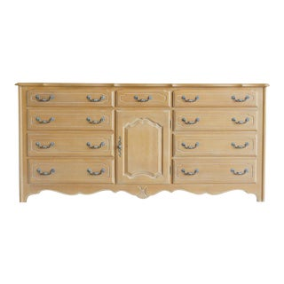 Ethan Allen Triple Dresser With Tri-Fold Mirror