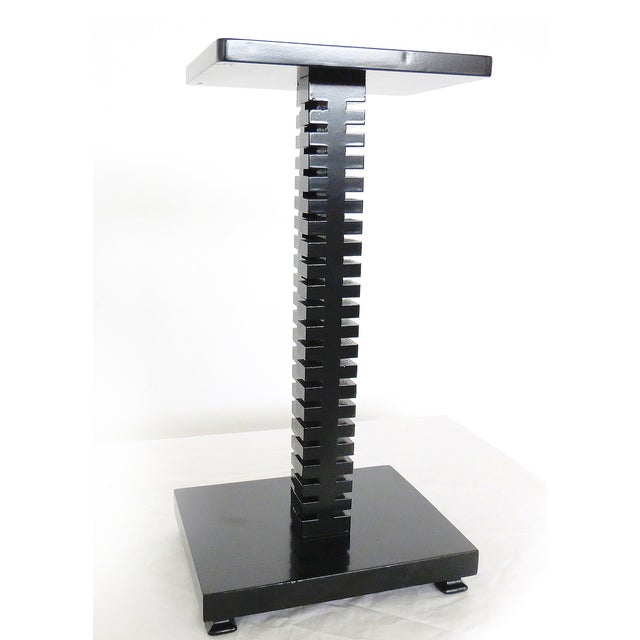 Image of Spine-Like Column Table