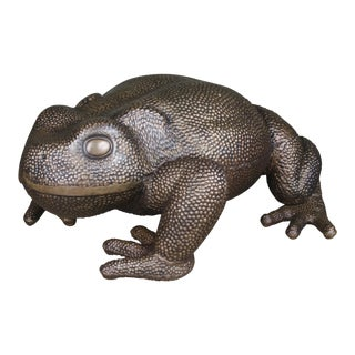 Toad Sculpture