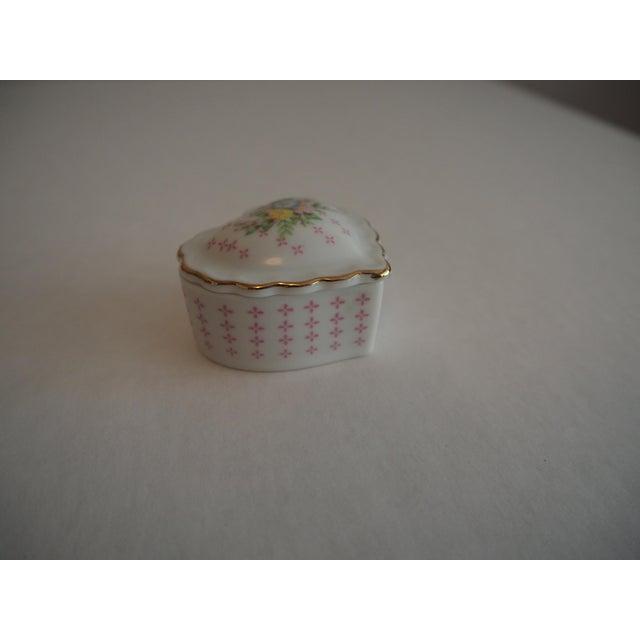 Porcelain Heart Shaped Box - Image 2 of 5