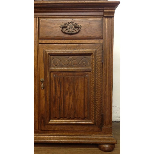 Ethan Allen Breakfront China Cabinet - Image 5 of 11