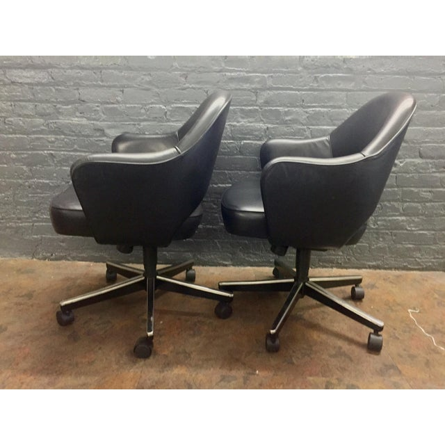 Eero Saarinen Knoll Blk Leather Chair -5 Available - Image 4 of 7