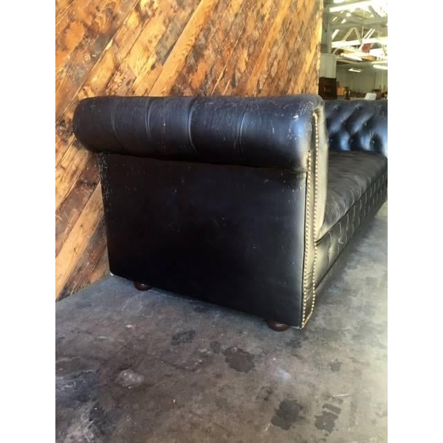 Funky Old Vintage Black Chesterfield Sofa - Image 3 of 10