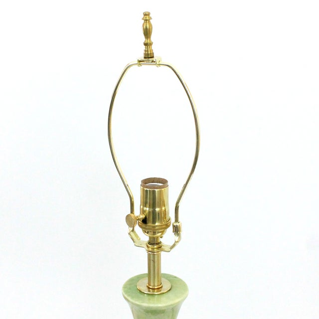 Hollywood Regency Green Pottery & Lucite Lamp - Image 6 of 6