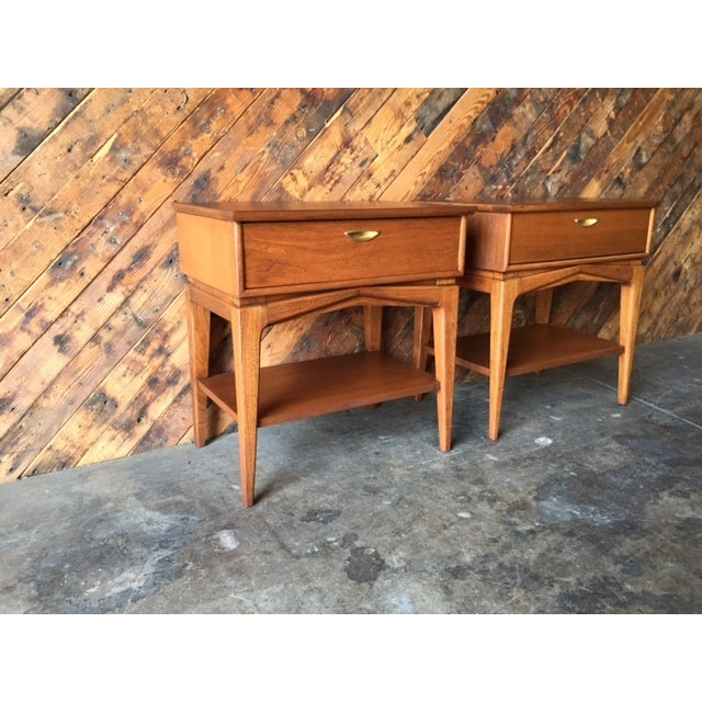 Mid-Century Refinished Kent Nightstands - Pair - Image 6 of 7