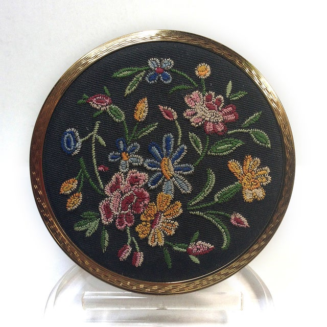 Stratton Embroidered Gold Tone Compact - Image 2 of 5
