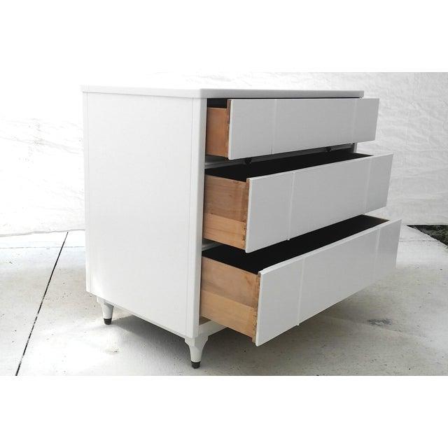kroehler mid century white lacquer dresser chairish. Black Bedroom Furniture Sets. Home Design Ideas