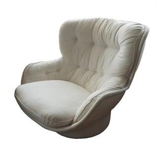 White Swivel Lounge Chair