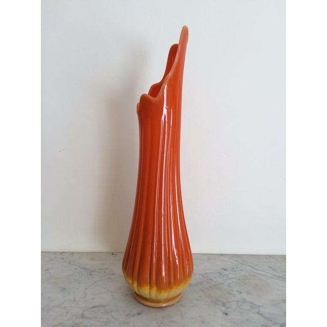 Mid-Century Orange Ribbed Slung Glass Viking Vase - Image 3 of 11