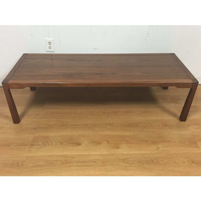 Image of Mid Century Rosewood & Mahogany Coffee Table