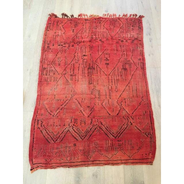 Azilal Tribal Design Moroccan Rug - 4'7'' x 6'6'' - Image 4 of 4