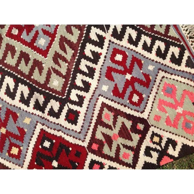 "Vintage Turkish Kilim Chevron Diamond Flat-Weave Wool Handwoven Rug - 5'5"" X 8'5"" - Image 4 of 6"