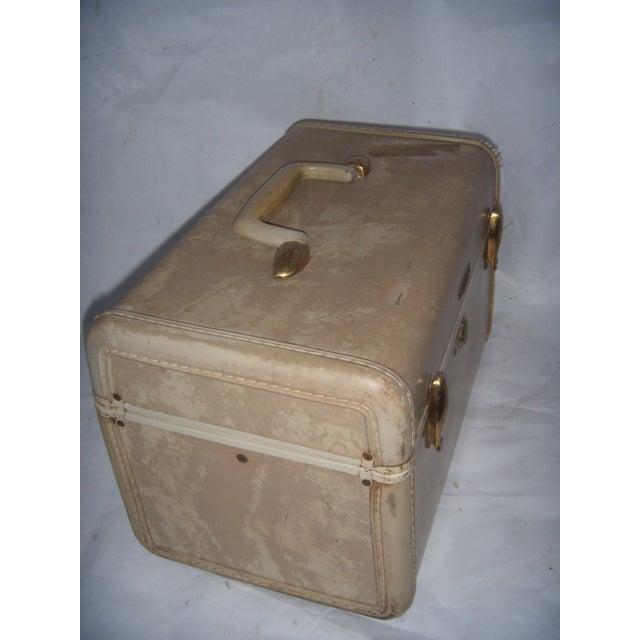Mid-Century Samsonite Beige Vinyl Cosmetics Case - Image 5 of 7