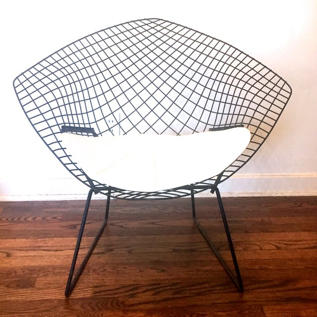 original bertoia diamond arm chair for knoll chairish. Black Bedroom Furniture Sets. Home Design Ideas