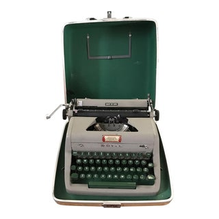 Royal Quiet De Luxe Portable Typewriter With Case