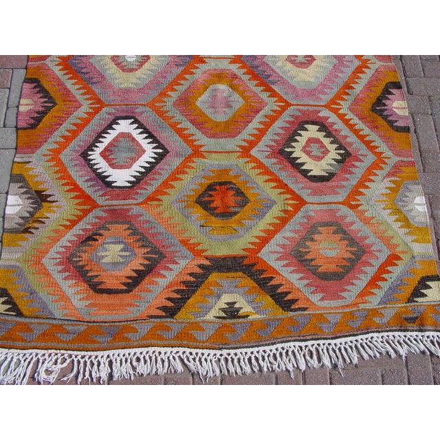 "Vintage Handwoven Turkish Kilim Rug - 5'9"" x 8' - Image 10 of 11"