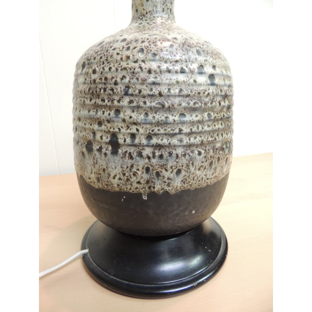 Mid-Century Modern Art Pottery Ceramic Table Lamp - Image 4 of 4