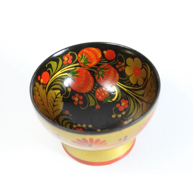 Russian Footed Strawberry Bowl - Image 5 of 6
