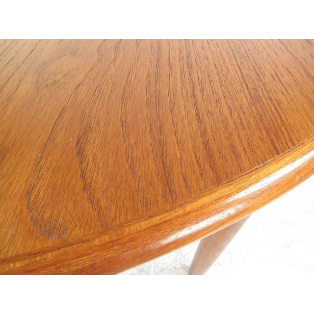 Mid-Century Modern Danish Teak Dining Table & Model 11 Moller Dining Chairs - Image 9 of 10