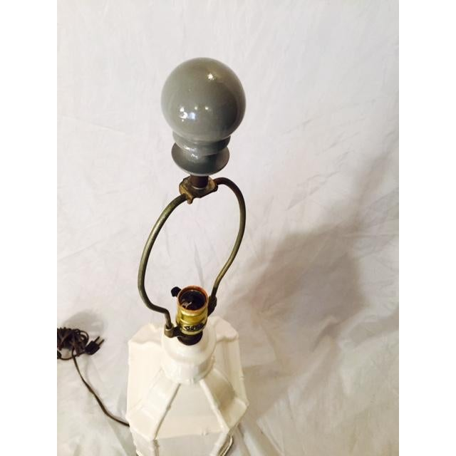 Hollywood Regency Gray Paint & White Pagoda Lamp - Image 5 of 5