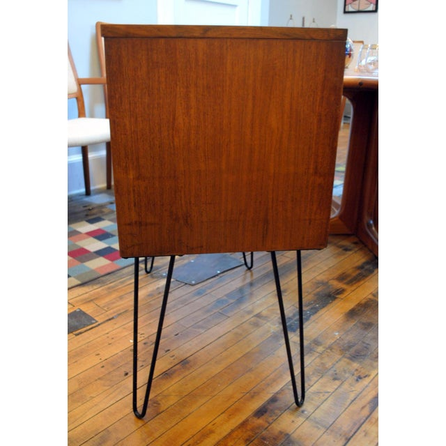 Image of Mid Century Chest With Hairpin Legs