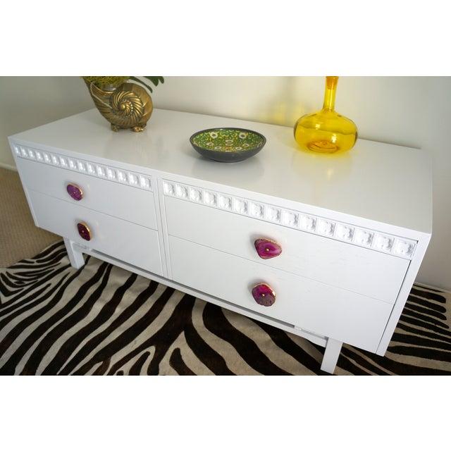 White Credenza Cabinet W/ Fuchsia Agate Pulls - Image 5 of 11