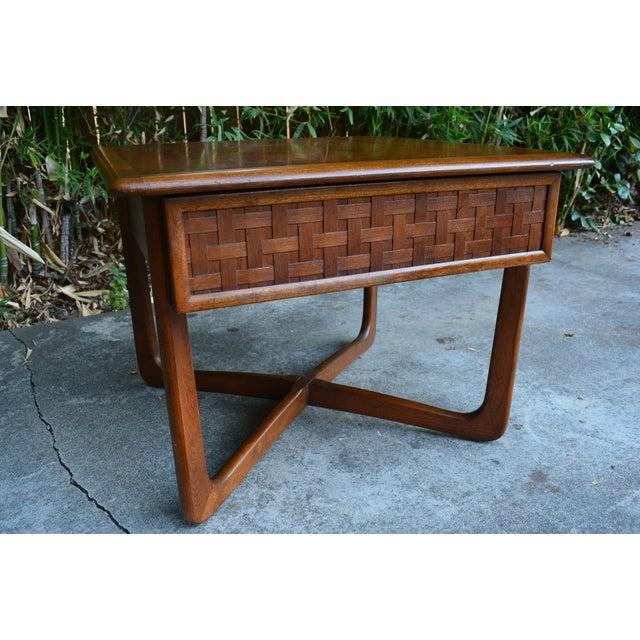 "Lane ""Perception"" Mid-Century X-Base Side Table - Image 5 of 6"