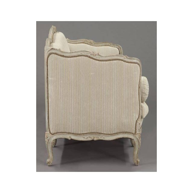 19th Century French Louis XV Carved Canape With Painted Finish and Beige Fabric - Image 8 of 9