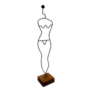 Modern Wire Tabletop Modernist Female Mannequin