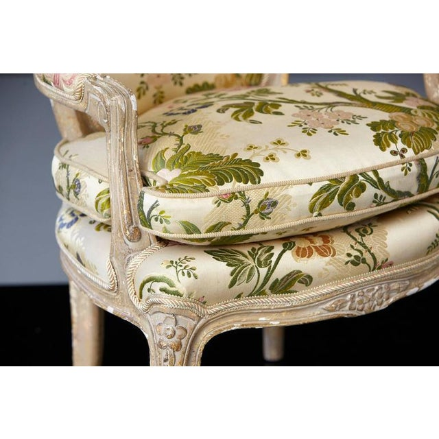 French Louis XV Style Painted Child's Fauteuil in Flower Chintz Fabric from ABC - Image 8 of 10