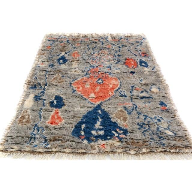 "Moroccan Arya Brendon Gray & Blue Wool Rug - 4'8"" x 6'9"" - Image 6 of 8"