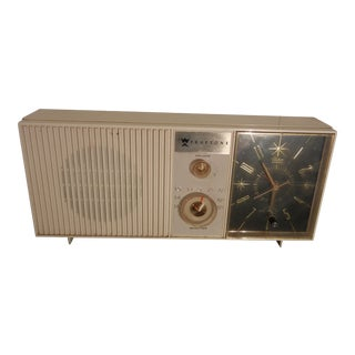 Truetone Star Clock Radio 1950s-60s