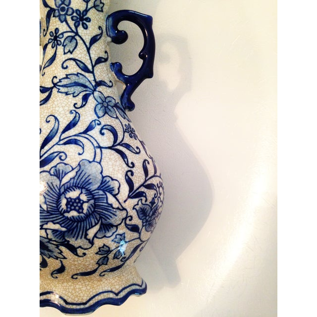 Vintage Blue & White Chinoiserie Crackle Vase - Image 4 of 6