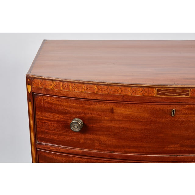 English 19th Century Medium Brown Mahogany Bow Front Chest of Drawers with Inlay - Image 2 of 10