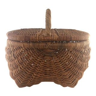 Vintage Wicker Picnic Basket With Lid