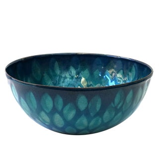 Win Ng enameled bowl