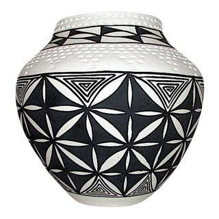 Acoma Pueblo D. Victorino Vase