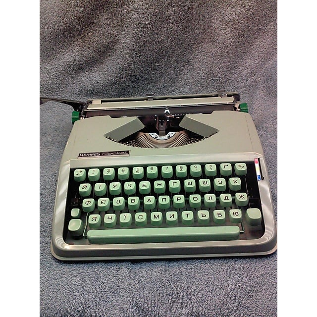 1968 Hermes Rocket with a Russian Ukraine Keyboard - Image 4 of 8