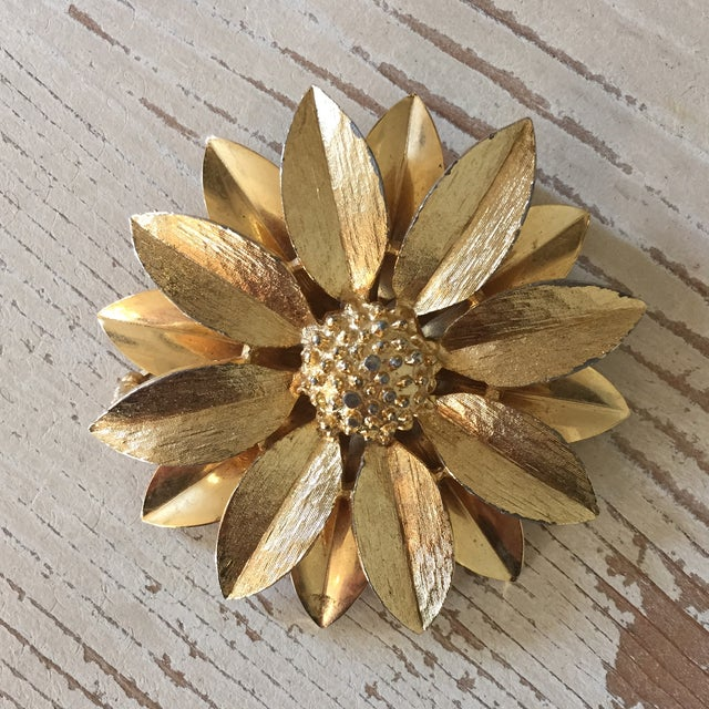 Image of Vintage Sarah Coventry Gold Sunflower Pin