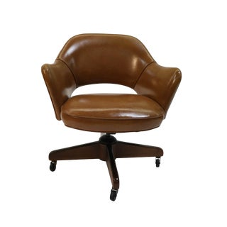 Eero Saarinen Style Executive Swivel Armchair