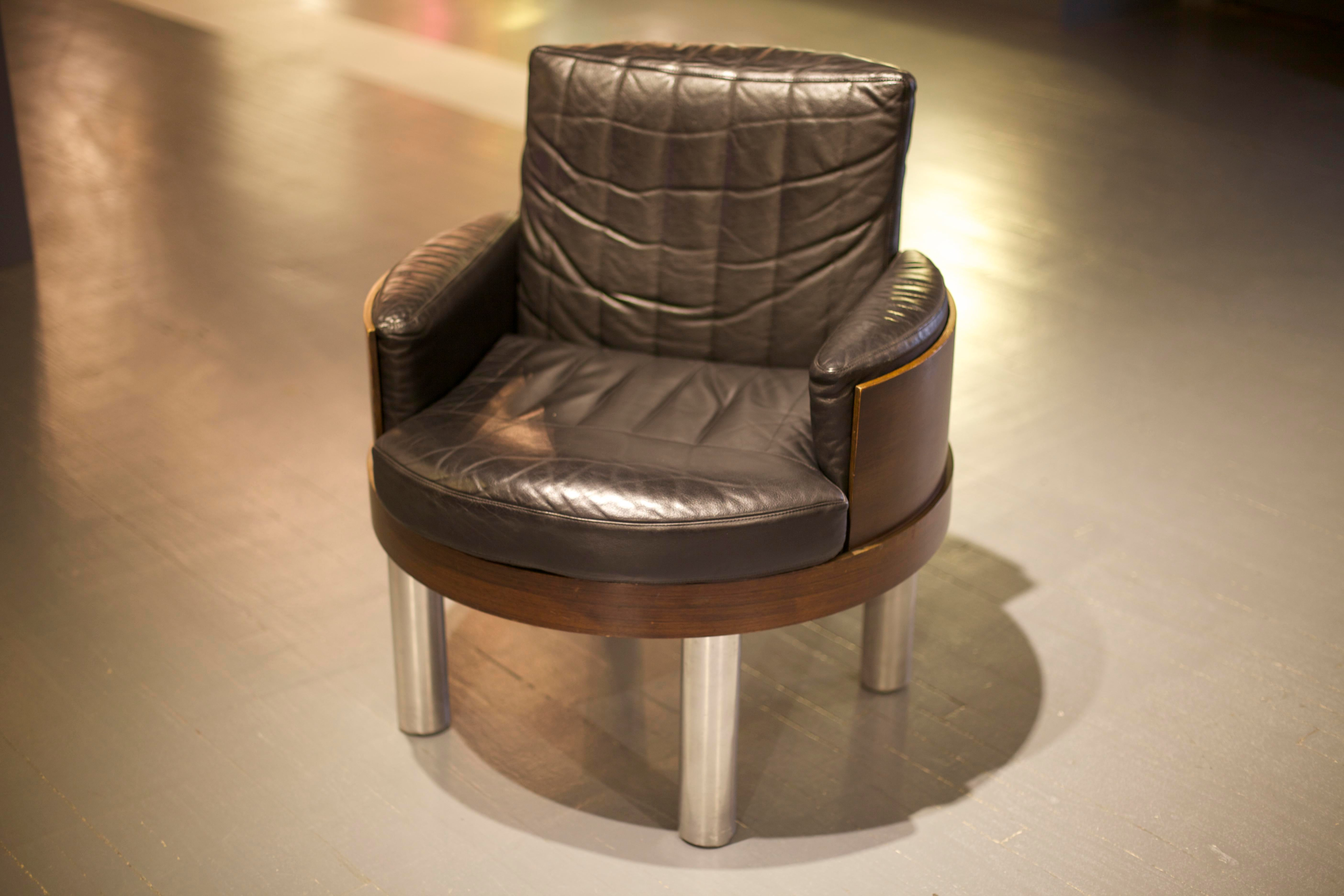 Leather Barrel Chair By Achilles Castiglioni   Image 3 Of 5